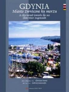W albumie pokazana malowniczo położoną Gdynie, jej modernistyczną i współczesną architekturą, a także gdyński port.